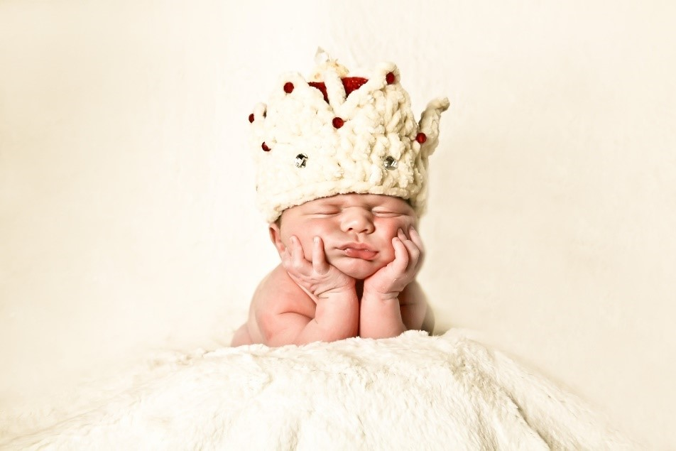 grumpy crown baby feed yoomi