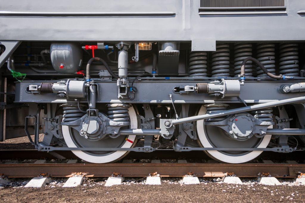 Wheelset mechanism of railway cars